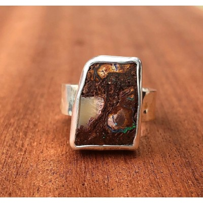 THE OPAL DOOR RING