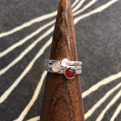 CARNELIAN 3 STACK RING
