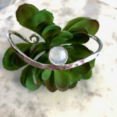 ss moonstone wave cuff