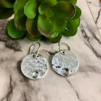 BLUE TOPAZ HAMMERED ROUND EARRING