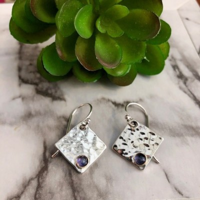 IOLITE HAMMERED SQUARE EARRINGS