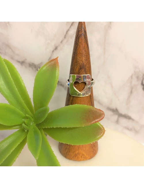 OPEN HEART SQUARE RING